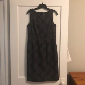 Sleeveless dress. Size 10.